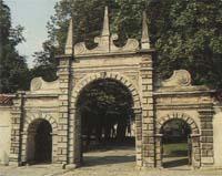 brama kościoła Trójcy Świętej